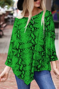 Green Polyester O Neck Long Sleeve Print asymmetrical Patchwork serpentine  Tops & Tees KL11022