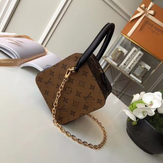 LV new top quality high quality woman shoulder bag messenger bag cosmetic bag
