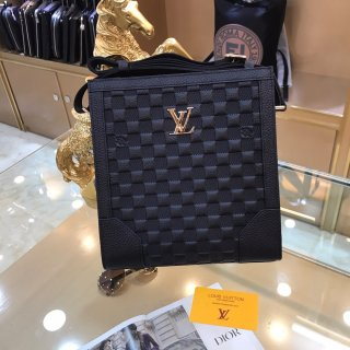 LV TOP new high quality leather men's crossbody bag