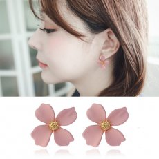 Blooming flower shaped earrings S925 silver ear piercing