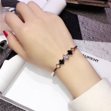 Fortune Four-leaf clover zircon alloy bracelet