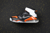 AJ270 Retro Classics Shoes CD7070-008