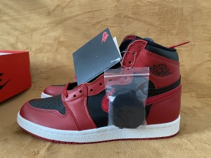 Authentic Air Jordan 1  HI 85