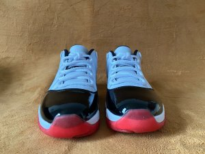 "Authentic Air Jordan 11 Low ""White Bred"""