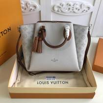 M55030 Louis Vuitton/LV haumea large-capacity tassel shopping tote bag traveling shoulder bag equipped with movable and adjustable shoulder strap