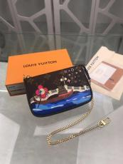 Louis Vuitton/LV monogram sling-chain crossbody bag coin purse clamshell wallet five-pieces set