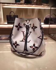 M44679 Louis Vuitton/LV neonoe tassel drawstring triple-compartment bucket bag crossbody shoulder bag