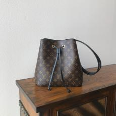 Louis Vuitton/LV monogram tassel drawstring bucket bag graceful triple-compartment open crossbody shoulder bag