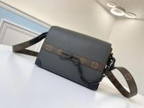 M30717 Louis Vuitton/LV male monogram casual compact suitcase vintage flap messenger bag