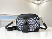 M45528  Louis Vuitton/LV female exquisite tassel camera bag excellent daily living companion