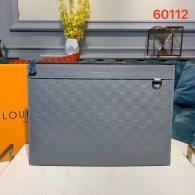 Louis Vuitton Damier Lnfini Leather Discovery Clutch Pochette Bag Grey N60112