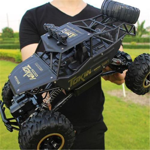 Huge 4WD Rock Crawler Climbing Remote Control Trucks 2.4G Off-Road Buggy Toys