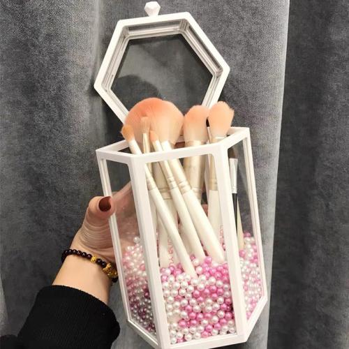 Dust-proof makeup storage bucket