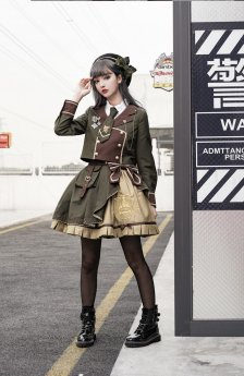 Pinky Winky -Army- Ouji Military Lolita Short Jacket, Skirt and Accessories Full Set