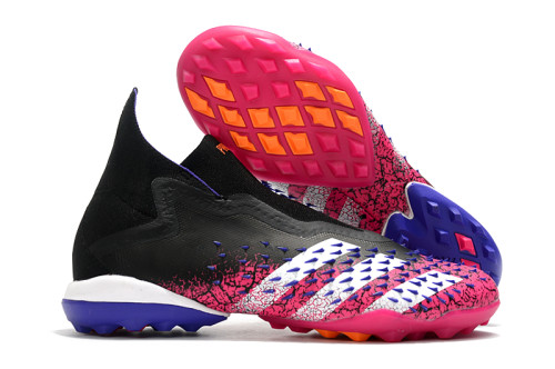 PREDATOR FREAK + TF Soccer Shoes
