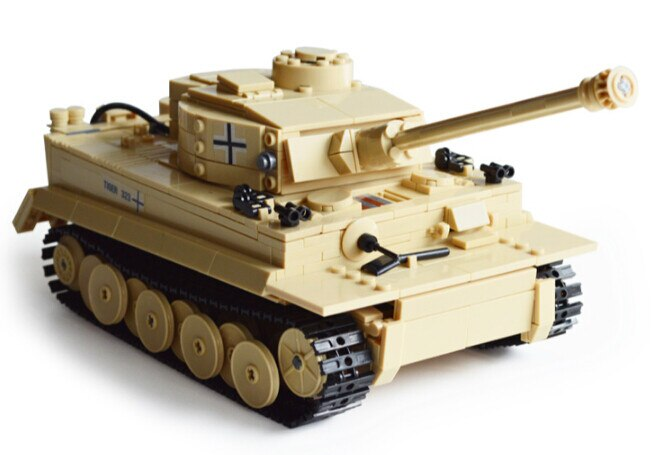 LEPIN 82011 995pcs Century ww2 military army Germany figure  Panzer King Tiger Tank Building Blocks Bricks Toy 82011 Compatible legoing