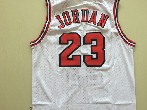 Chicago Bulls 1998 Michael Jordan 23 White Retro Classics Basketball Jersey