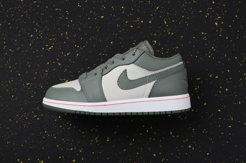 AJ 1 Low Retro Classics Shoes 553560-121