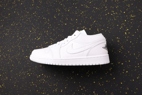 AJ 1 Low Retro Classics Shoes 553560-101