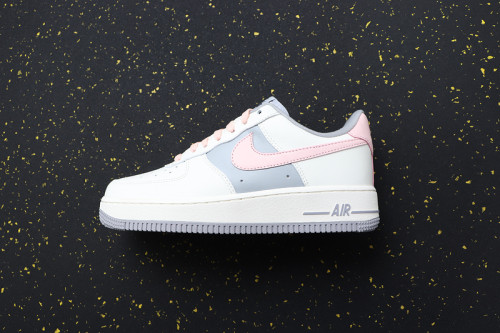 Women's Air Force 1 Classics CW7584-101