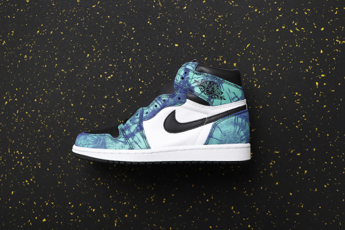 AJ 1 High Retro Classics CD0461-100