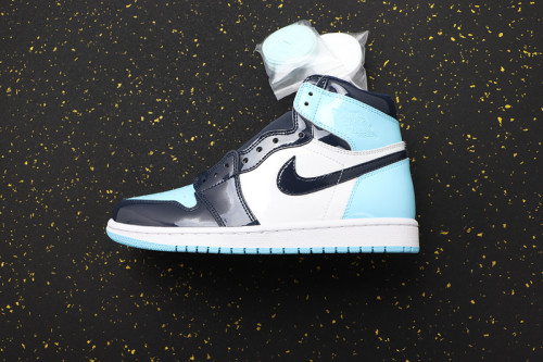AJ 1 High Retro Classics CD0461-401