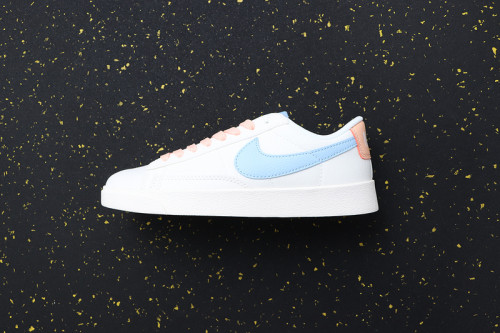 Women's Blazer Low Classic Retro AV9371-604