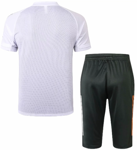 Manchester United 20/21 Training Jersey and Short Kit D589