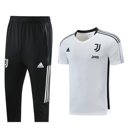 Juventus 21/22 Training Kit White DQ12