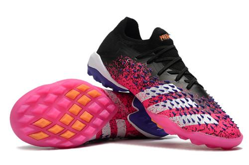 Predator Freak .1 Low TF Football Shoes