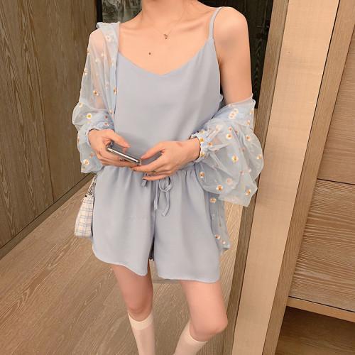 Loose Daisy Pattern Gauze Sun-protective Clothing Plus Shorts