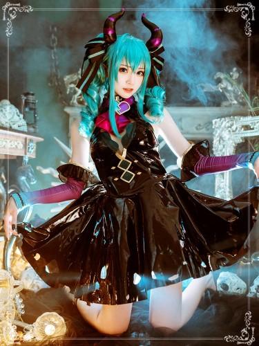 Hatsune Miku Cosplay Costume Set Villain Ver.