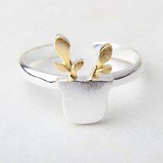 Faceless Reindeer Ring