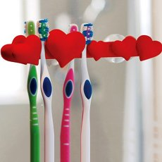 Red Heart Toothbrush Holder