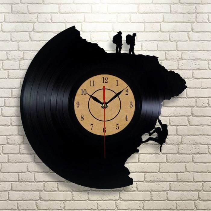 Creative Vinyl Record Wall Clock Climbing Art Clock Quartz Clock Gifts for Climbing Lovers