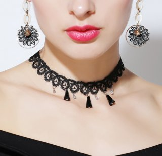 Black personality collar