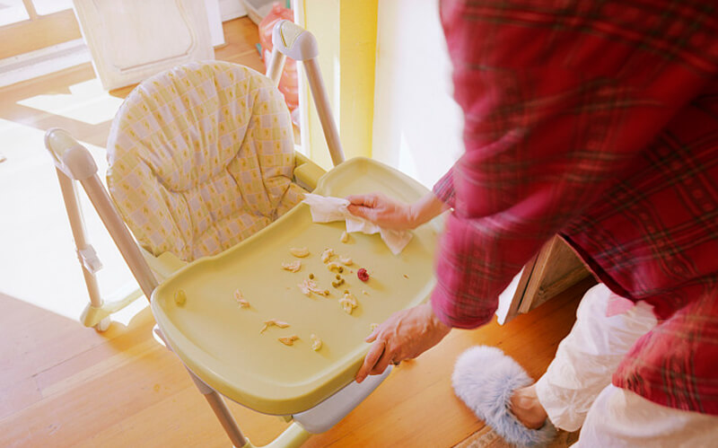 how to clean high chairs