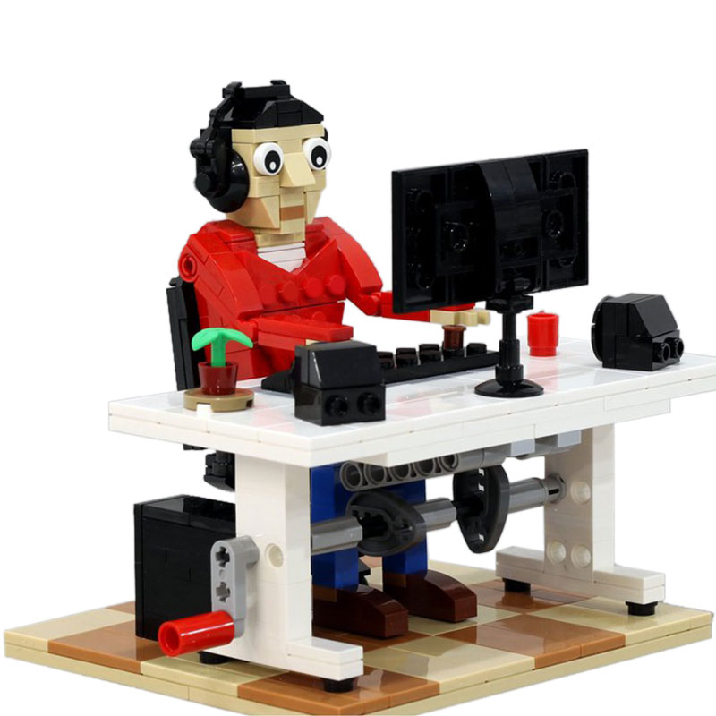 MOC-40609 Office Worker