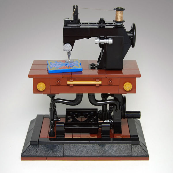 MOC-41609 Antique Singer Sewing Machine Kinetic Sculpture