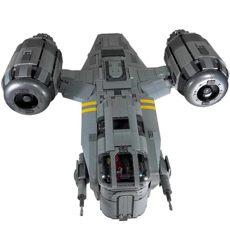 MOC-37840 UCS Razor Crest by Papaglop