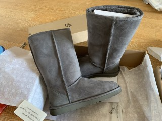 UGG Classic Boots Grey
