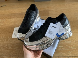 Raf Simons x Adidas Consortium Ozweego Sliver/Black