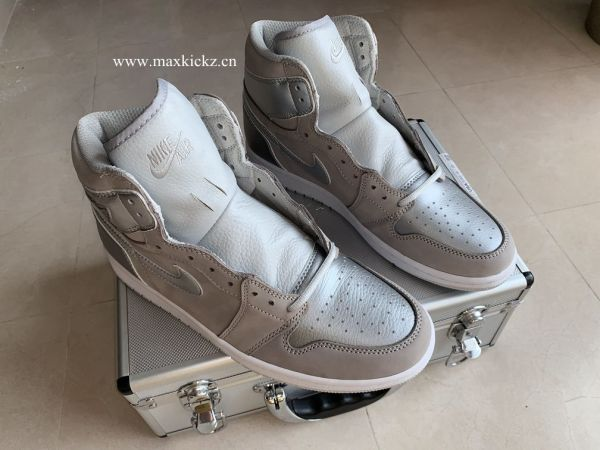 Air Jordan 1 Retro ''Japan'' with special box