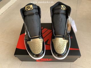 Air Jordan 1 Retro ''Gold Toe''