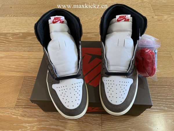 Air Jordan 1 Retro High OG Travis Scott