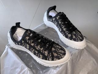 D1OR Sneaker 8
