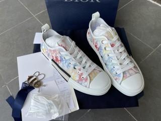 D1OR B23 Sneaker 11