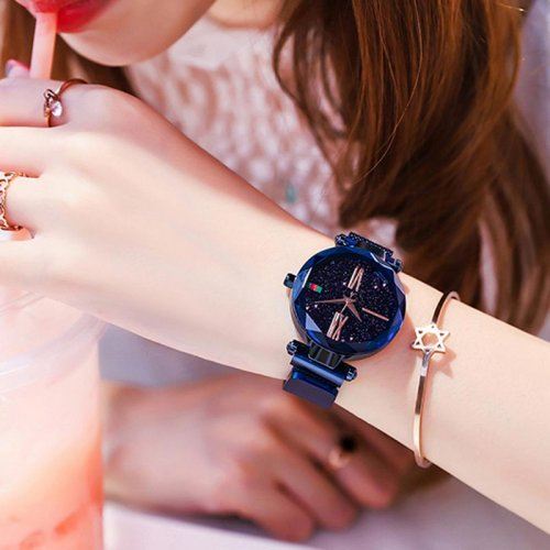 M Magnet Star Watch【Cash on delivery】