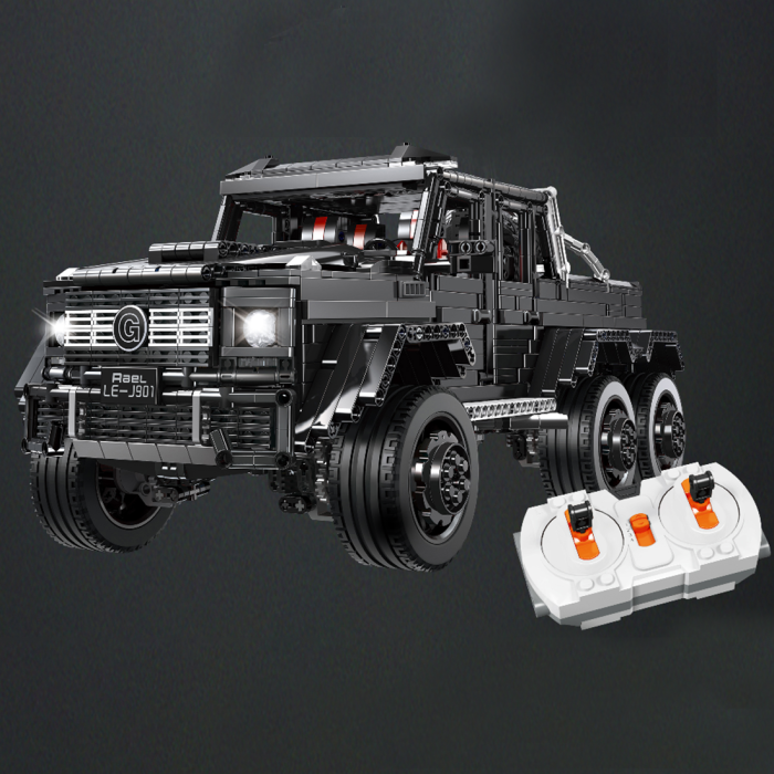 3300Pcs 1:8 RC Six Wheeled Vehicle Building Block DIY Small Particle Construction Model Toy - Black (Graphic Carton Packaging)