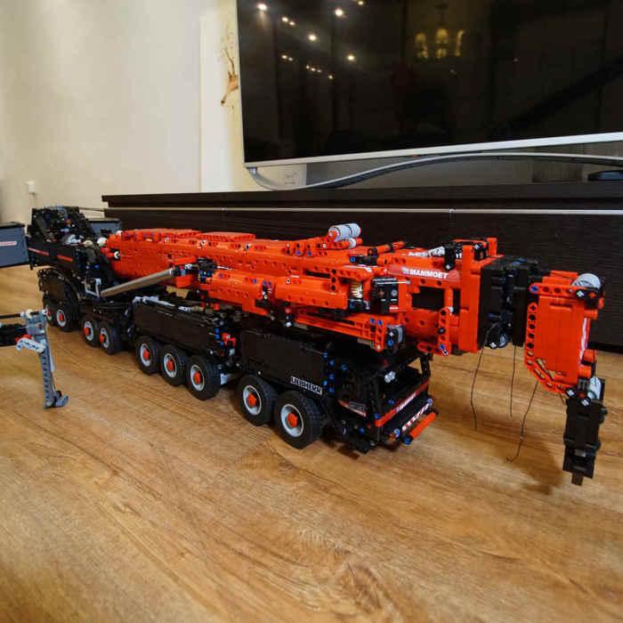 Technic-Liebherr-LTM11200-7692pcs-Technic-Liebherr-RC-Crane-Model-Building-Kit